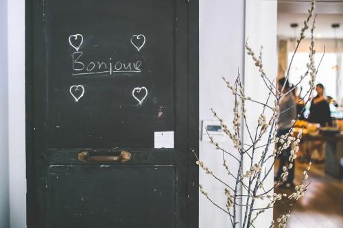 kaboompics.com_Bonjour